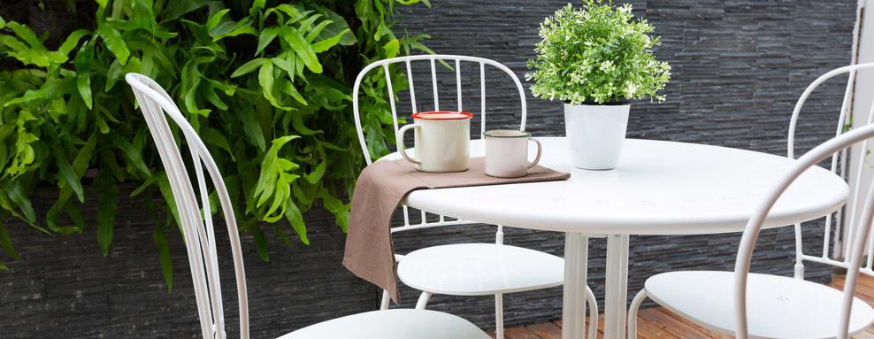 Pinturas mobiliario de jardín